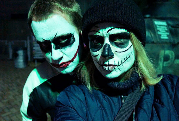 AltonTowers_Scarefest_Halloween_2015_SkeletonSelfie