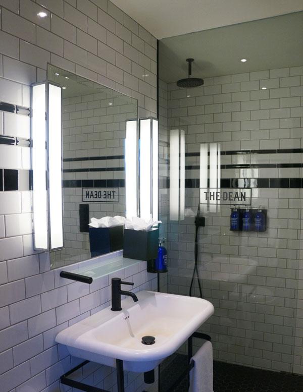 TheDean_Bathroom