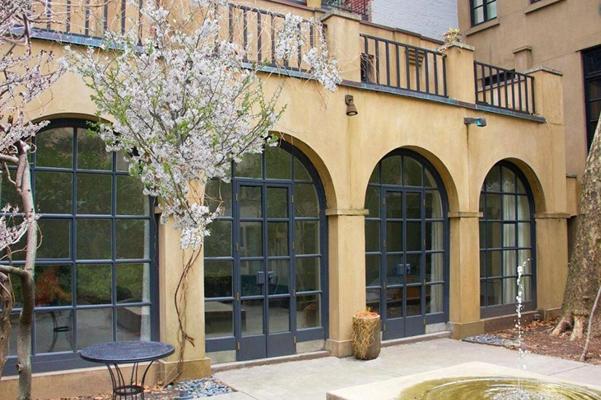 Mary_Kate_Olsen_Olivier_Sarkozy_new_home_terrace