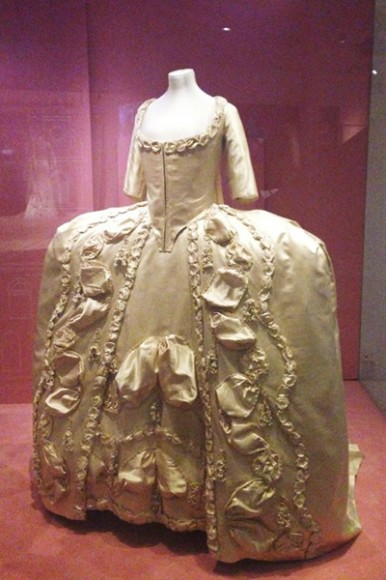 V_and_A_museum_wedding_dress_exhibition_5