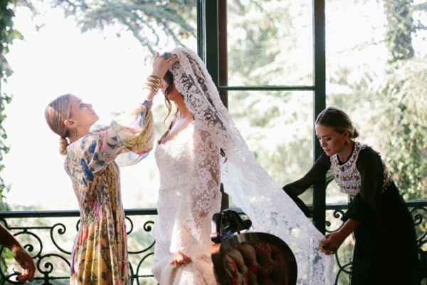 Mary-Kate and Ashley Olsen's first wedding design