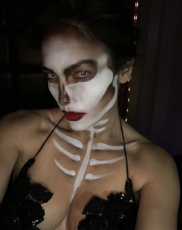 Celebrity_Halloween_Outfits_2015_JenniferLopez