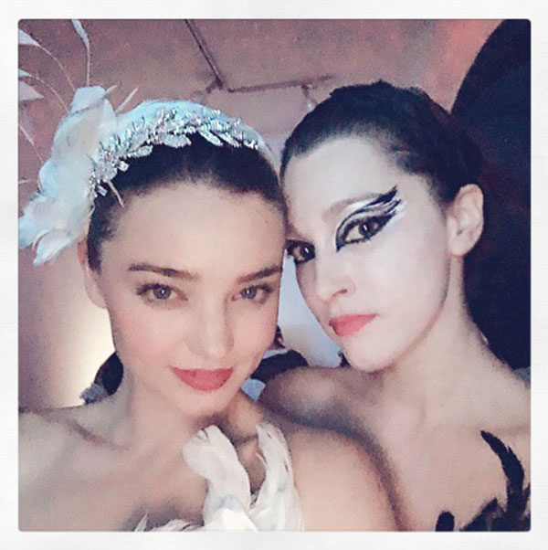 Celebrity_Halloween_Outfits_2015_MirandaKerr